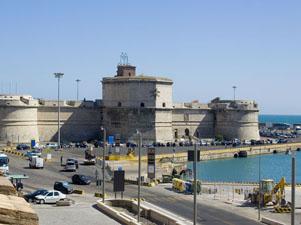 Il porto di Civitavecchia