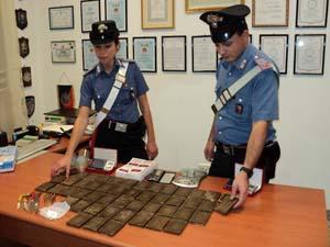 Droga e proiettili sequestrati dai carabinieri