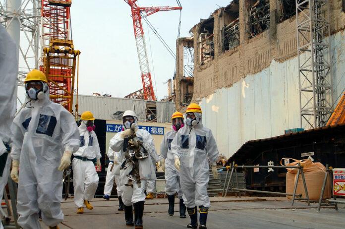 Sopralluogo dei tecnici della Iaea, l'Agenzia internazionale per l'energia atomica (foto di Greg Webb, da IAEA Imagebank su Flickr)