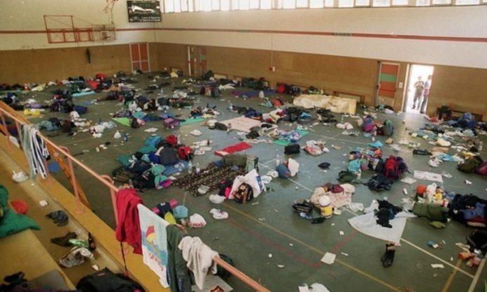 I locali della scuola Diaz il giorno dopo l'irruzione